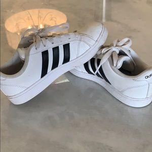 Boys Adidas Shoe size 2.5